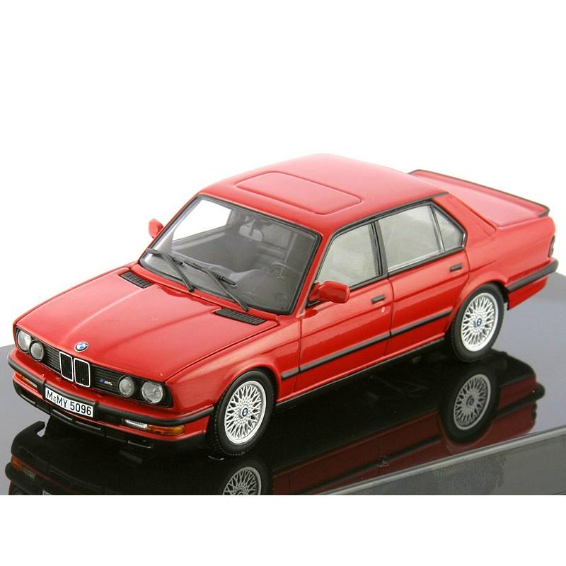Autoart 1:43 BMW M5 (E28) (Zinnoberred)