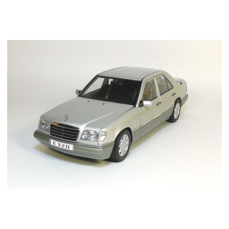 Autoart 1:18 Mercedes-Benz E320 Limousine 1995 (Silver)