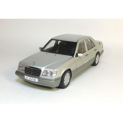 Autoart 1:18 Mercedes-Benz E320 Limousine 1995 (W124, Silver)