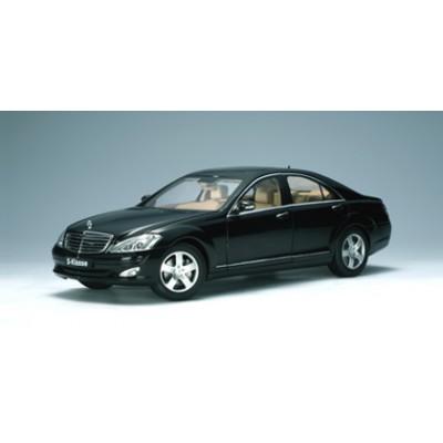 Autoart 1:18 Mercedes-Benz S500 SWB 2004 (W221, Obsidian Black)