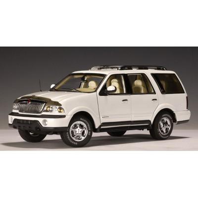 Autoart 1:18 Lincoln Navigator 2001 (White)